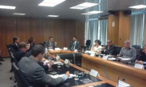 O diretor do Sintapi-CUT, Gerson Maia de Carvalho, participa da reunião no Conselho da Previdência que baixou os juros para os aposentados