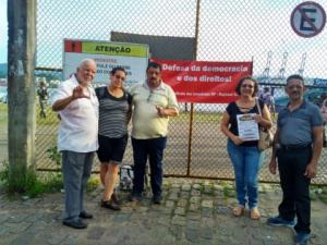 19/03/2019 - SINTAPI-CUT de Santos faz panfletagem contra reforma da Previdência