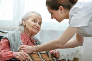 Câmara abre inscrições para seminário internacional sobre cuidados com idosos